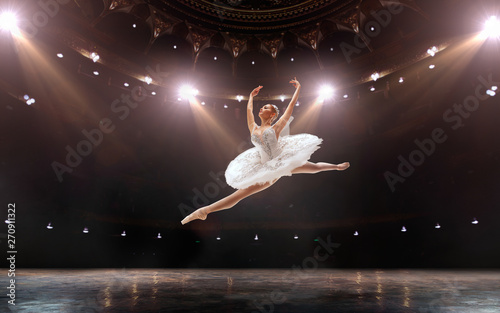 Naklejki taniec ballet-classical-ballet-performed-by-a-couple-of-ballet-dancers-on-the-stage-of-the-opera-house