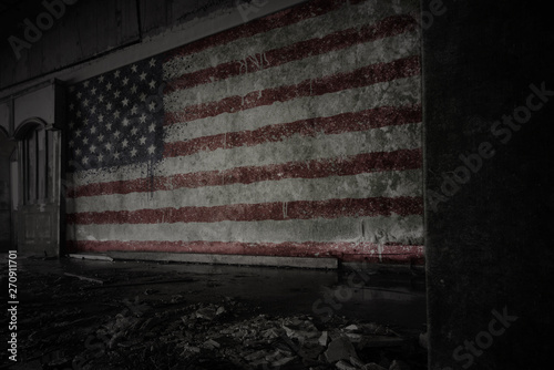 Cadres-photo bureau Amérique du Sud painted flag of united states of america on the dirty old wall in an abandoned ruined house.