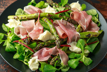 Grilled Asparagus, Parma Ham Salad With Mozzarella Cheese And Green Vegetables