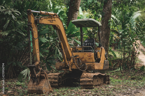 Pinturas sobre lienzo  Bagger im Dschungel Panamas