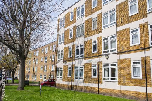 Photo Council houses apartment blocks estate in Hackney East London, UK