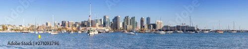 Poster Gris San Diego skyline downtown panorama banner city sea skyscrapers bay boats