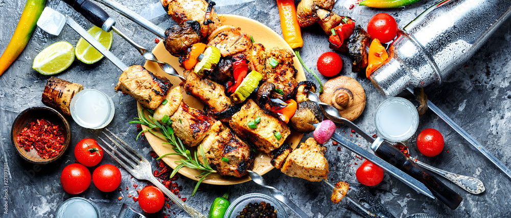 Fototapety, obrazy: Bbq meat on wooden skewers
