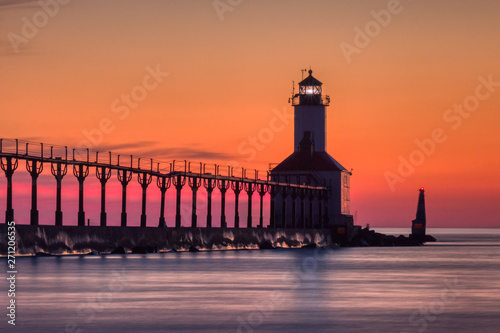 Poster de jardin Corail Michigan City East Pierhead Lighthouse After Sunset