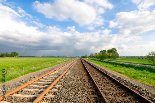 Cadres-photo bureau Voies ferrées railway track in Dutch countryside