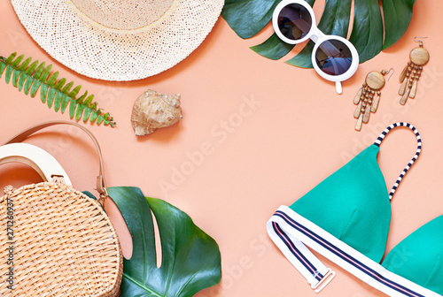 Photo  Fashion vacation concept tropical summer flat lay