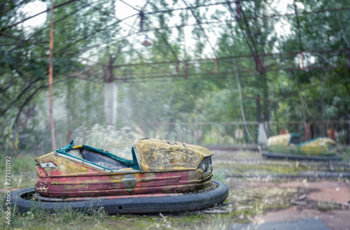 Abandoned amusement park in Pripyat, Chernobyl alienation zone Fototapete