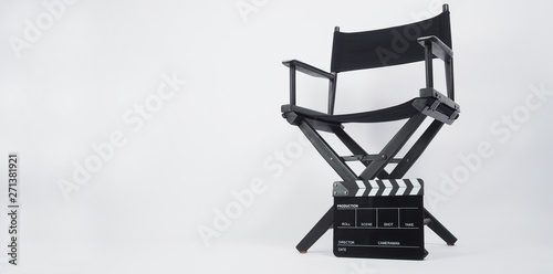 Black Clapper board or movie slate with director chair use in video production or movie and cinema industry Tableau sur Toile