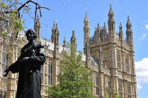 Obraz na płótnie Emmeline Pankhurst statue in London, The Women's Party during WW1 - UK
