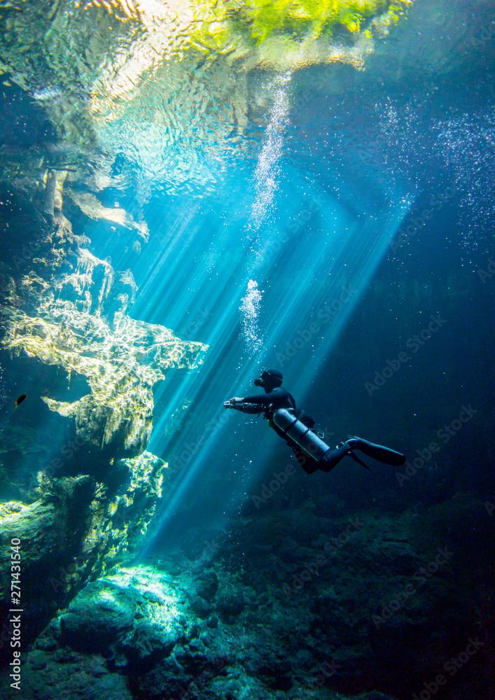Fototapeta Underwater Cenote el Pit Yucatan Mexico