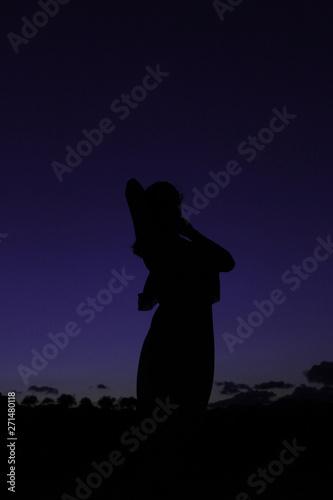 Foto op Plexiglas Historisch geb. person in silhouette
