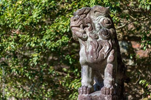 Foto op Plexiglas Historisch geb. rustic old statue