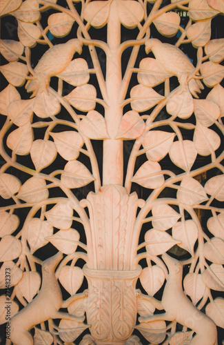 Foto op Plexiglas Historisch geb. statue of leaves