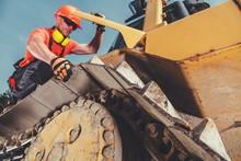 Heavy Equipment Mechanic Job