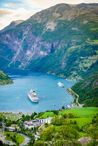 Obraz Fjord Geirangerfjord with cruise ship, Norway. - fototapety do salonu