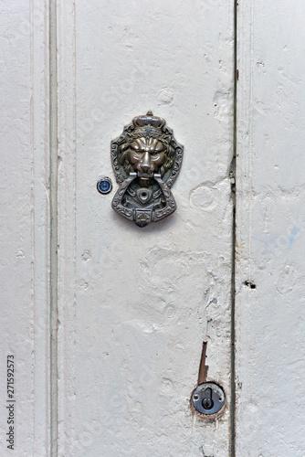 Lion head, old door handle colonial style, Trinidad , Cuba Fototapeta