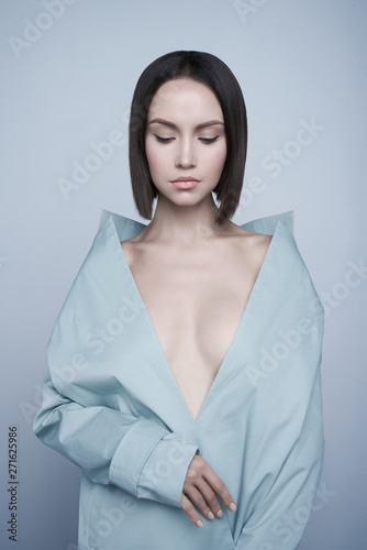 Küchenrückwand aus Glas mit Foto womenART Beautiful sexy woman in blue autumn coat. Fashion art portrait.