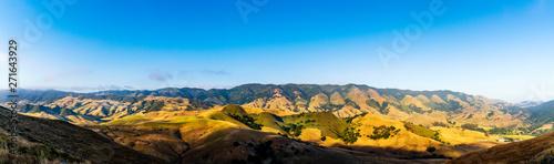 Fototapeta Panorama of Mountain Range in daylight obraz na płótnie