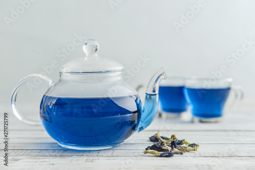 Photo  Two glass cup of blue Anchan tea