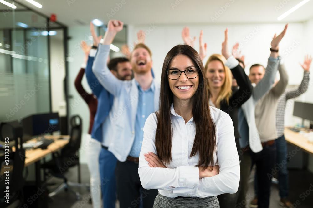 Leinwandbild Motiv - nd3000 : Portrait of business team posing in office