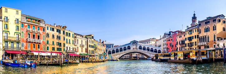rialto bridge in venice - italy