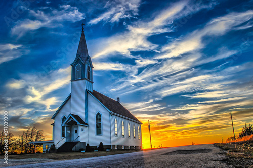 Poster de jardin Lieu de culte Ellis County, KS USA - A Lone Church at Dusk in the Western Kansas Prairie