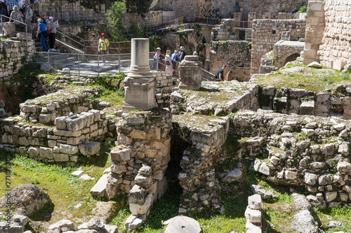 Ancient ruins in the courtyard of Pools of Bethesda in the old city of Jerusalem фототапет