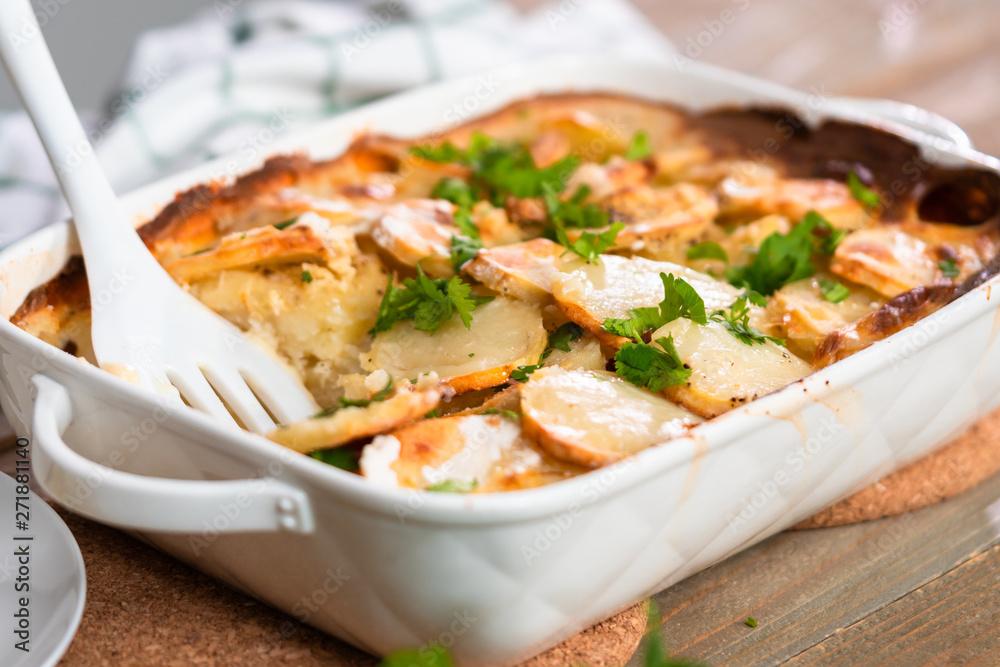 Fototapety, obrazy: Scalloped potatoes