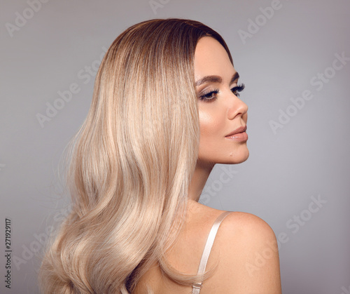 Ombre blond shiny hair Tablou Canvas