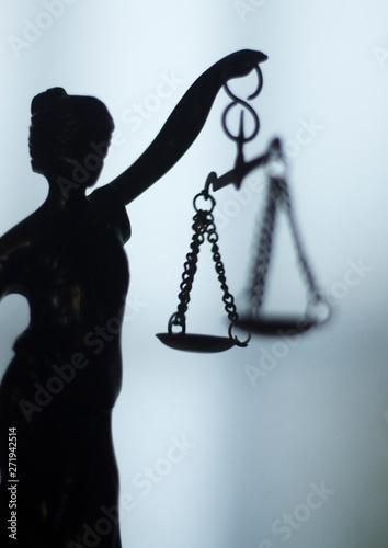 Foto Legal law firm statue