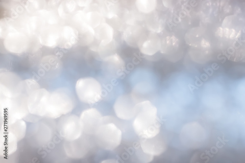 Photo Blur abstract background silver bright sparkling white light glittering bokeh il