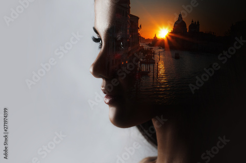 Obraz Travel dreams, concept. The profile of the girl and the sunset in a beautiful location - fototapety do salonu