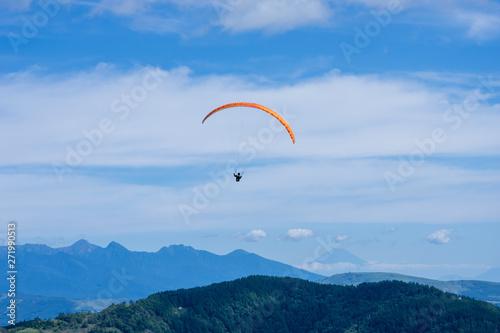 美ヶ原高原のパラグライダー