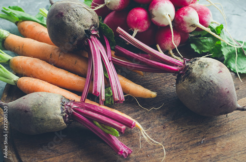 Obraz Assorted raw organic vegetables - fototapety do salonu