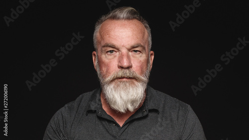 Obraz Senior man with a beard - fototapety do salonu