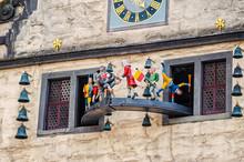 Glockenspiel Mit Eisenbart, Altes Rathaus, Hann.-Münden, Niedersachsen