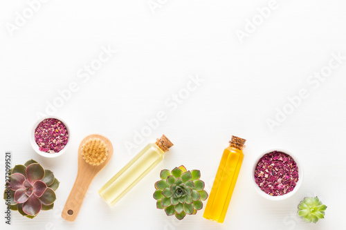 Photo sur Toile Les Textures Bio herbal green cosmetic arrangement, sea salt and handmade cosmetic.