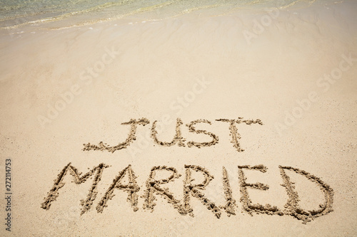Fototapeta  Just Married Text On Sand At Beach