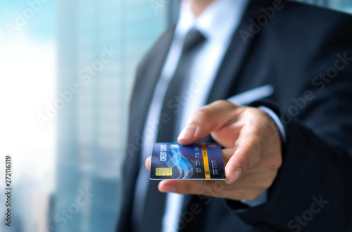 Fotografía Businessman pay or shopping by credit card