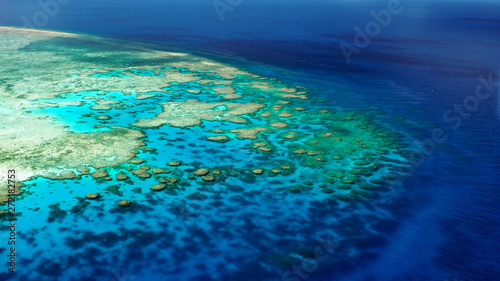 Photo Shallow edge of the back reef (Lodestone Reef, Great Barrier Reef, Australia)