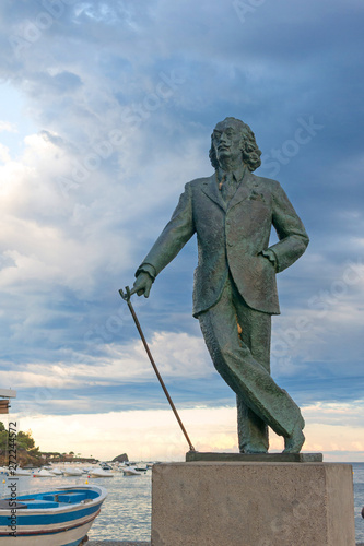 Detail of a bronze life-size statue to famous Salvador Dali in Cadaques, Spain Wallpaper Mural