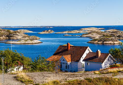 Foto op Aluminium Arctica Norwegian seascape wih old houses