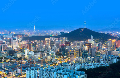 Foto op Canvas Seoel Seoul city and n seoul tower and Skyscrapers, Beautiful city at night, South Korea.