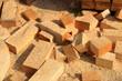 Bauholz wurde in kleine Stücke gesägt