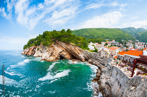 Foto  View of the cliffs from Castello fortress in Petrovac, Montenegro