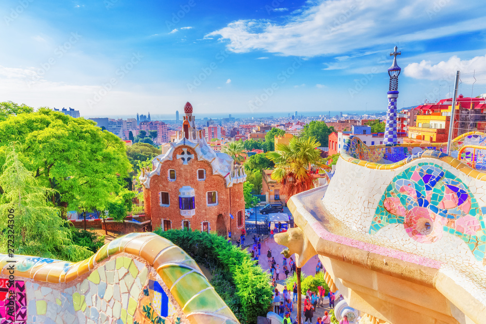 Fototapeta Barcelona, Spain, famous landmark Park Guell. Colorful summer scene of eye-popping architecture. Popular travel destination in Spain, Europe. UNESCO world heritage list spot.