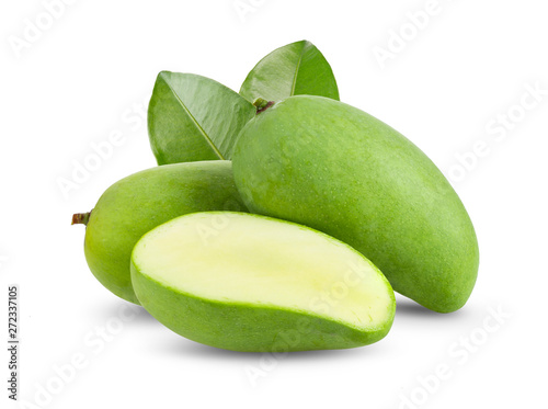 Obraz na plátne green mango isolated on white background. full depth of field