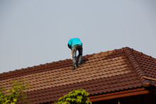 Roof Painting. Home Repair Wor...