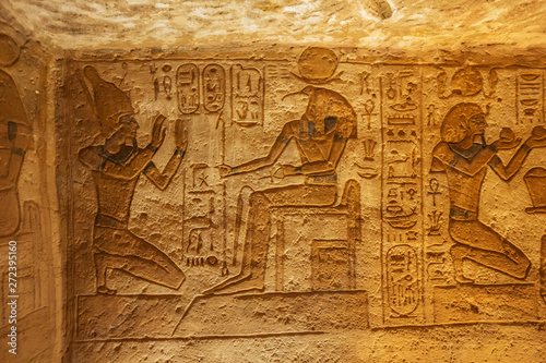 Obraz na plátne  Bas relief of Ramesses II and Seth in the Great Temple of Abu Simbel