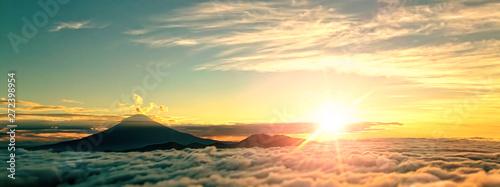 Fotobehang Olijf 神秘的な富士山